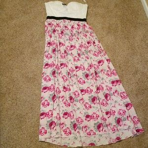 BRAND NEW Beautiful white and floral summer dress